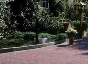 Practical matters when laying a driveway - edging and kerbs