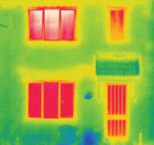 FENSA - thermal image of a house with single glazing